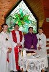 Pfarrer Pater Leo mit Witwe von Baumeister Kurt Vogelauer